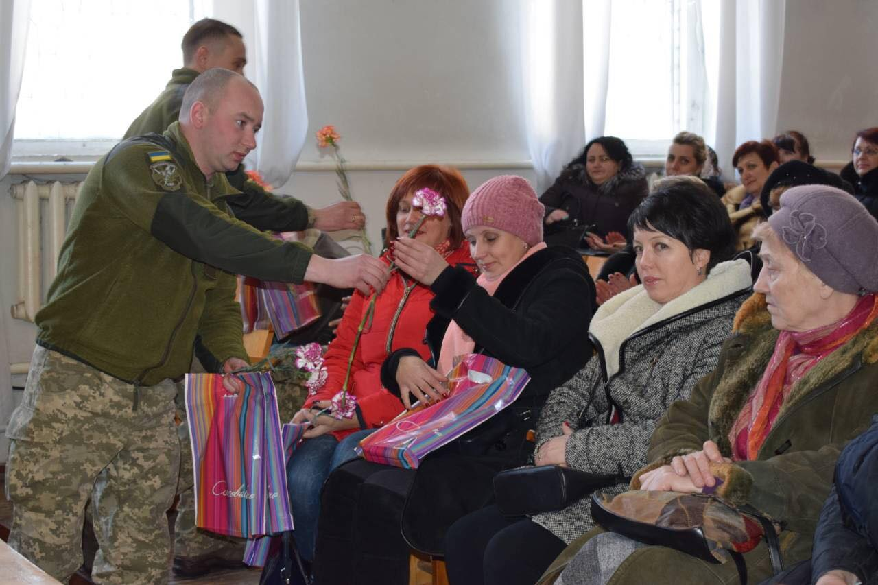 Зі святом Весни  привітали  матерів та дружин загиблих учасників АТО