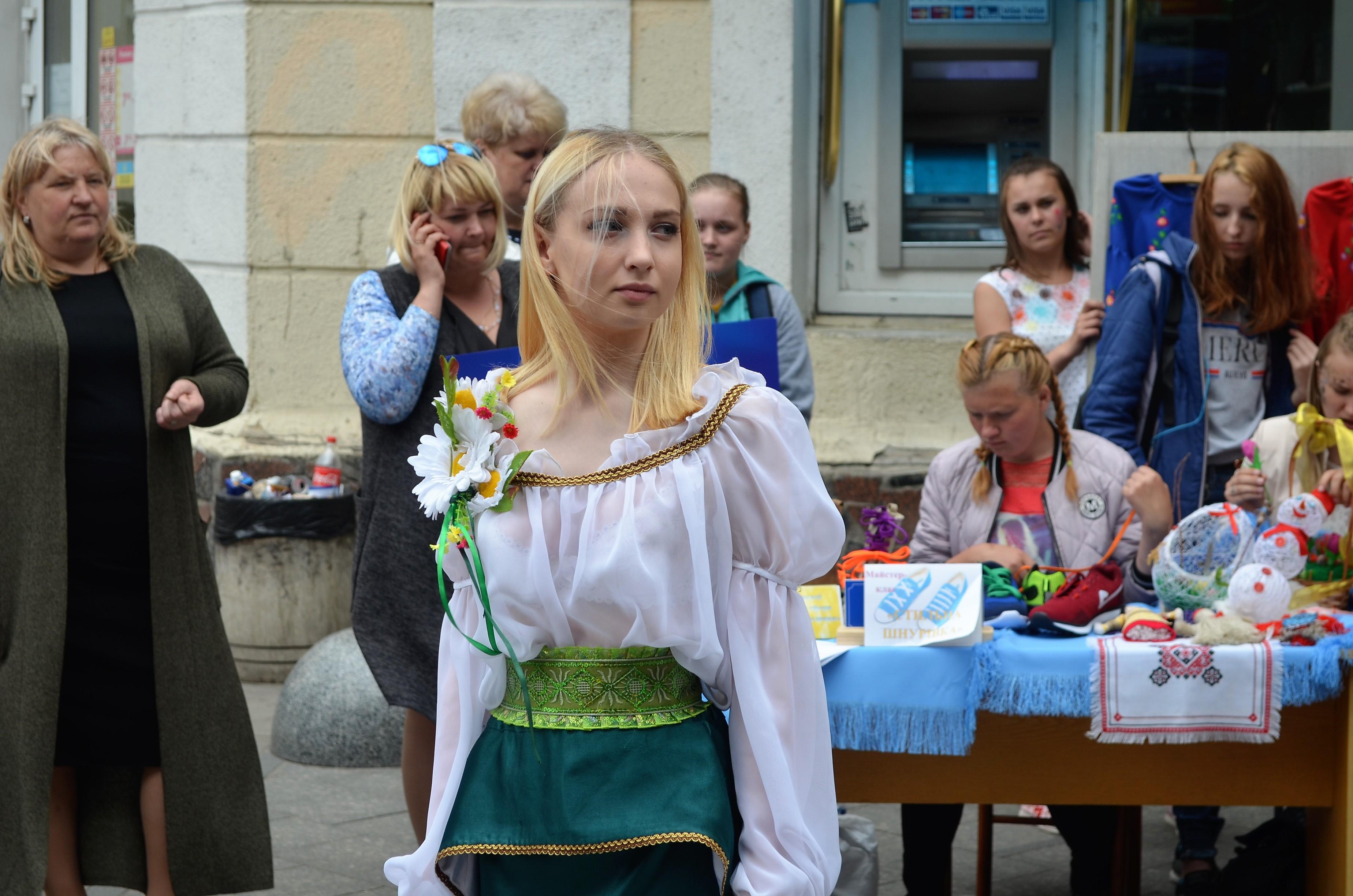У Житомирі на Михайлівській триває ярмарок вакансій