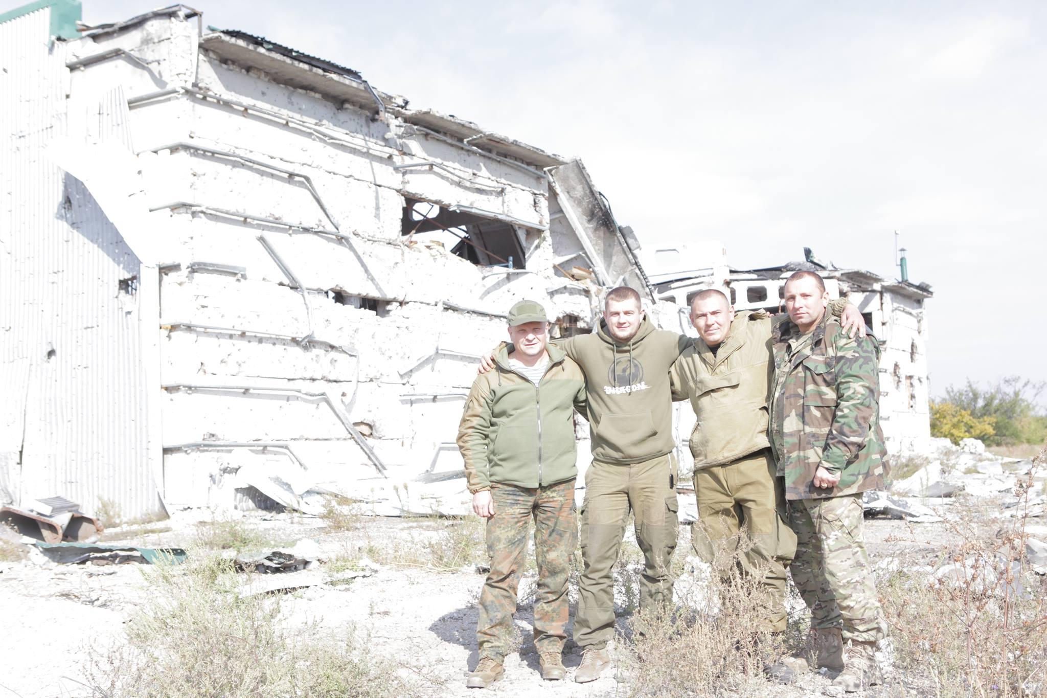 Волонтери - янголи-охоронці наших військових